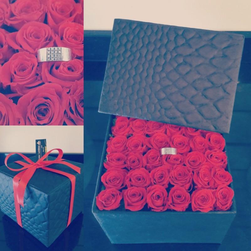 Coffret de 36 roses éternelles