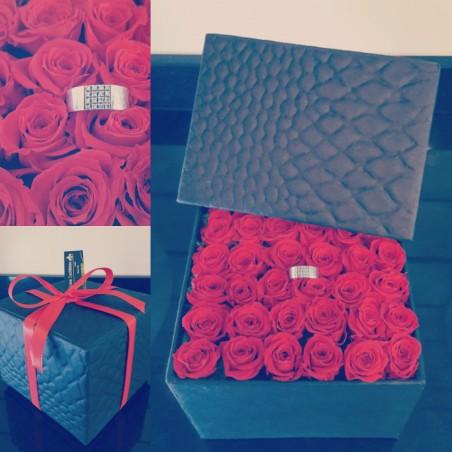 Box of 36 eternal roses